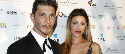 Belen e Stefano: lui sarebbe stanco dell'assidua presenza della famiglia Rodriguez.
