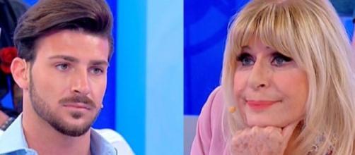 Alfonso, un ex corteggiatore di Gemma che aveva chiesto a Nicola di sfidarlo durante la trasmissione, ha commentato una fotografia del modello.