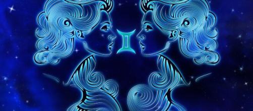 Caratteristiche e curiosità del segno zodiacale dei Gemelli.
