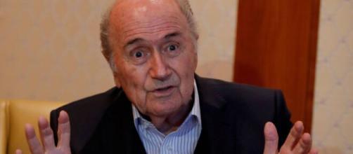 Ex-presidente da Fifa, Joseph Blatter, é investigado por repasse milionário a federação. (Arquivo Blasting News)