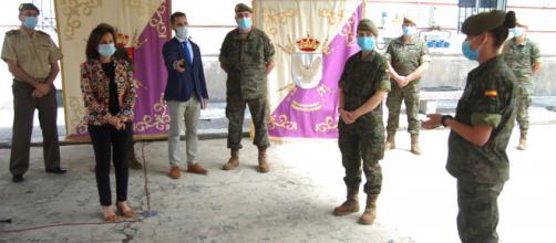 Los militares del REW 31 relatan a la ministra las profundas huellas que ha provocado el enfrentarse al Coronavirus.