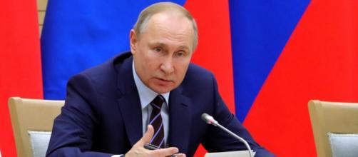Putin: 'Le rivolte negli USA rivelano una crisi profonda nel paese' - voanews.com