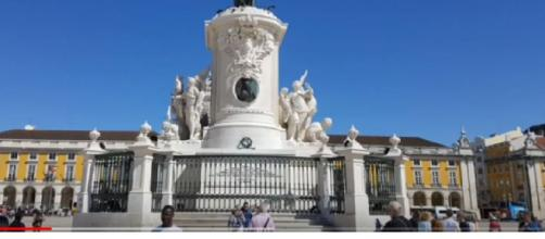 Tourism and travel options in Lisbon, Portugal. [Image source/Yhangs Channel YouTube video]