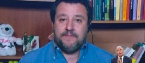 Andrea Scanzi critica Massimo Giletti citando Salvini.