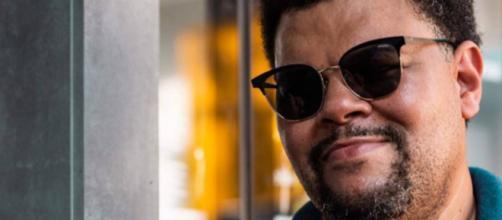 Babu Santana viverá policial durão em novela 'Salve-se Quem Puder'. (Arquivo Blasting News)