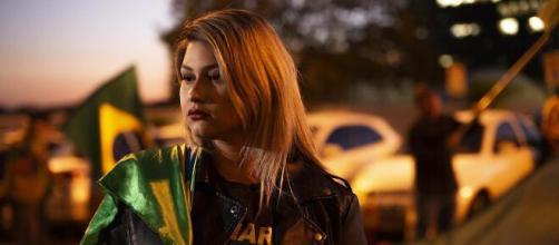 Sara Winter, ativista bolsonarista, é presa pela PF. (Arquivo Blasting News)