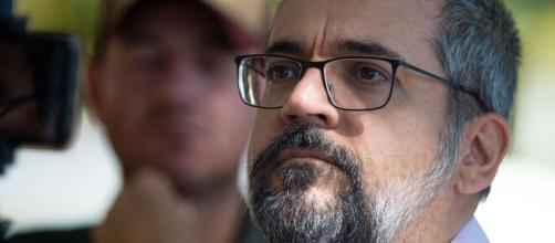 Abraham Weintraub participou dos atos a favor do governo Bolsonaro sem máscara de proteção e foi multado. (Arquivo Blasting News)