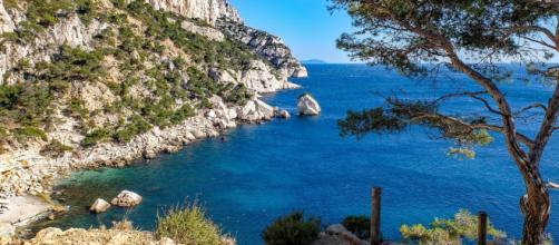 Les calanques de Marseille, un endroit idyllique où passer l'été. Credit: djedj/Needpix