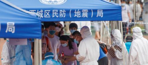 Pekín retrocedió de la fase tres a la dos y alertan sobre la gravedad del brote de coronavirus.