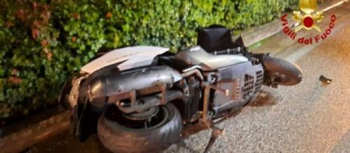 Treviso, schianto in scooter contro un muro: due persone decedute a Carbonera.