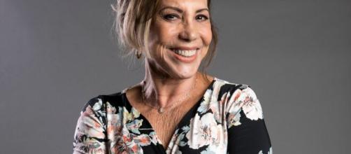 """A tristeza pode ser um veículo para o câncer"""", diz atriz Arlete Salles - com.br"""