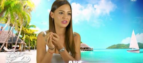 Alix (Les Marseillais) veut arrêter la télé-réalité, elle supprime la mention 'TV Show' de son Instagram ... - voici.fr