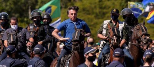 Após operação contra aliados, Bolsonaro diz que tomará medidas contra abusos de poder do STF. (Arquivo Blasting News)