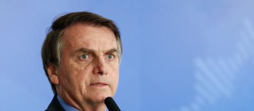 Bolsonaro diz que vê abusos, violação de direitos e alega que tomará medidas legais para proteger Constituição. ( Arquivo Blasting News )