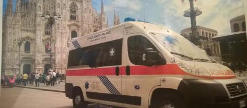 Milano, 47enne cade in casa e viene portato in ospedale, poi cade nel bagno del presidio sanitario e muore.