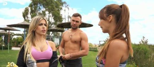 Telecinco /La brutal pelea entre Fani y Oriana en 'La Casa Fuerte'