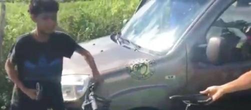 Boa ação do menino sensibilizou os ciclistas, que se uniram para ajudá-lo. (Reprodução)