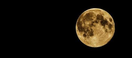 Caratteristiche e curiosità sulla Luna in oroscopo.