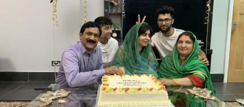 """No sé lo que está por venir"""": Malala se gradúa de la Universidad ... - culturacolectiva.com"""