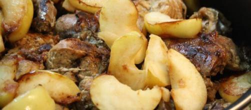 Ricetta del fagiano in tegame con le mele, un sontuoso secondo.