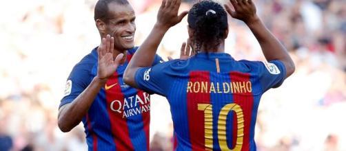 Rivaldo vestiu a camisa do Barcelona. (Arquivo Blasting News)