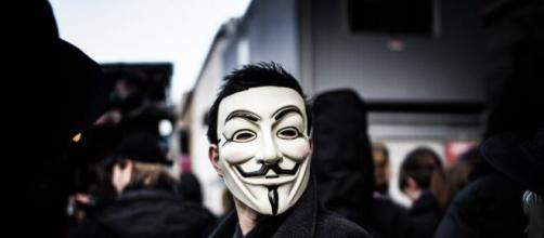 """""""Anonymous"""" acusa a la OMS de no hacer bien su trabajo, frente al Covid-19."""