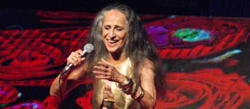 Maria Bethânia é uma cantora brasileira. (Arquivo Blasting News)