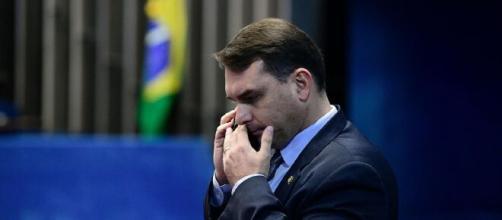 Caso Fabrício Queiroz: advogado de Flávio Bolsonaro na campanha de 2018 é investigado pelo MP. (Arquivo Blasting News)
