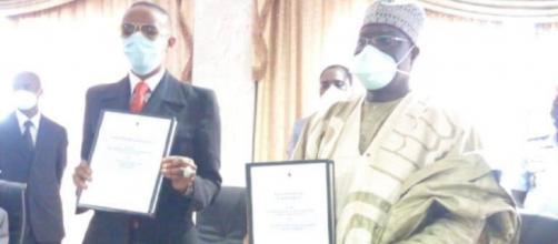 Signature de la Convention (de l'initiative Youth Connekt Cameroon) entre la Fondation Puene et le Minjec (c) Minjec
