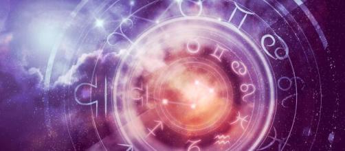 Horóscopo dos signos do zodíaco para esta segunda (22). (Arquivo Blasting News)