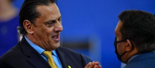 Wassef tenta desvincular Bolsonaro dos processos relacionados a Flávio Bolsonaro. (Arquivo Blasting News)