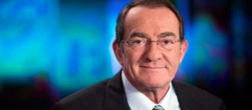 Jean-Pierre Pernaut présente le journal de 13 heures sur TF1 depuis 1988