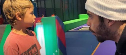 Pedro Scooby fala sobre vídeo polêmico com o filho. (Reprodução/Youtube)