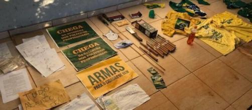 Polícia do Distrito Federal apreende fogos de artifício em chácara usada pelo grupo 300 do Brasil. (Arquivo Blasting News)