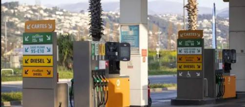 Le prix des carburants repartent à la hausse - photo twitter