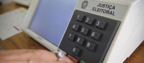 Senado deve votar adiamento de eleições. (Arquivo Blasting News)