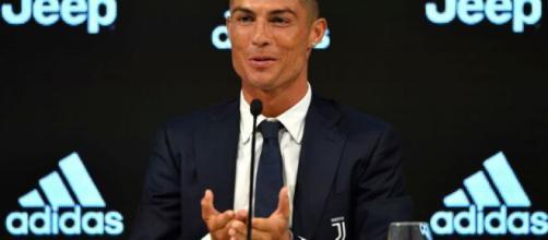 Cristiano Ronaldo si rilassa a Viareggio.