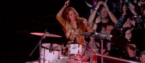 La cantante Shakira durante su actuación en el intermedio de la Superbowl 2020.