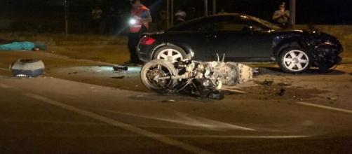 Lecce, incidente stradale tra auto e scooter all'ingresso di Melendugno: muore un 65enne.