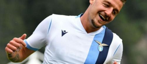 Sergej Milinkovic Savic, centrocampista della Lazio.