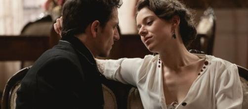 Una vita, spoiler spagnoli: Genoveva prova a sedurre Antonito per rovinarlo economicamente.