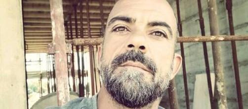 Angelo Belluscio, il salvatore di sua figlia: 'Mi sono gettato in acqua col cane'.