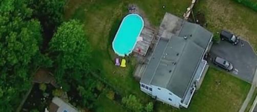 Usa, bambina di 8 anni e i suoi due nonni annegano nella piscina della loro abitazione.