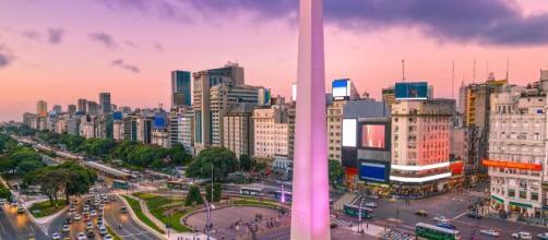 El icónico Obelisco de Buenos Aires, con sus 67.5 metros de altura.
