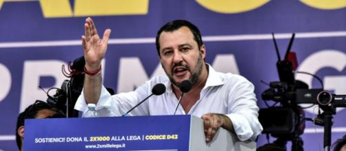 Salvini, leader della Lega, non esclude l'arrivo di nuovi parlamentari dal Movimento Cinque Stelle.