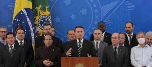 Bolsonaro junto a seus ministros. (Arquivo Blasting News)