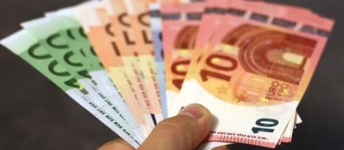 Dal primo luglio il tetto all'uso dei contanti scende a 2000 euro - nextquotidiano.it
