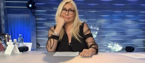 Mara Venier su Stefano De Martino: 'Nel ruolo di compagno, non mi dispiacerebbe'.