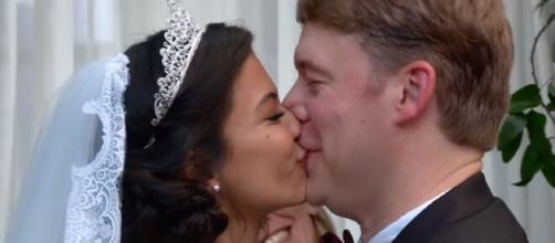 '90 Day Fiancé': Juliana confirmed she is living her best life with Michael. [Image Source: TLC/ YouTube]