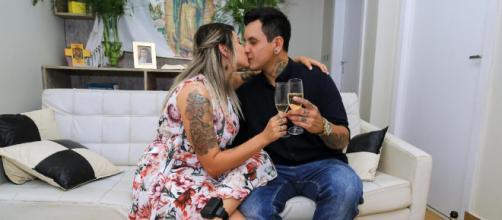 Em prisão domiciliar, Sara Winter fica noiva em Brasíli. (Arquivo Blasting News)